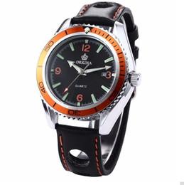 vestidos modernos Rebajas Reloj de pulsera de correa de banda hueca moderna de cuero con forma de engranaje Reloj de pulsera de esfera negra fresca reloj de cuarzo fecha de acero análogo