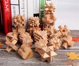 2019 rompecabezas de cerraduras de madera 3D Hecho A Mano De Madera Kong Ming Luban Lock Niños Niños Juguete Inteligente Brain Tease Juego Puzzle Kongming bloqueo juguetes educativos rompecabezas de cerraduras de madera baratos