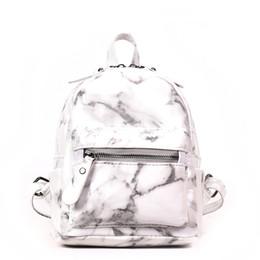 2019 lindas mochilas blancas Patrón de mármol Mujeres Mochila pequeña PU Mochilas de cuero para adolescentes Negro Blanco 2018 Mujer Cute Back Pack Nuevo rebajas lindas mochilas blancas