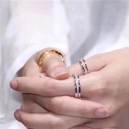 ouro chinês barato Desconto Clássico anel de diamante 316L titânio rosa de ouro Tubogas anéis de jóias de casamento das mulheres