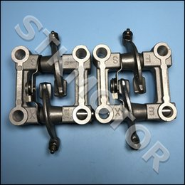 Scooters do motor on-line-2pcs GY6 125cc 150cc Engine Parts Camshaft Titular Arm Rocker Assy chinês Scooter Parts ATV Znen Baotian Taotao