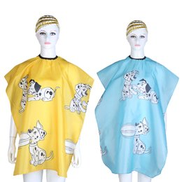 barber shop hair styles Promo Codes - Cartoon Dog Printed Kid Hairdressing Wrap Cape Waterproof Hair Salon Barber Shop Hair Styling Cut Haircut Cover Cloth Wrap