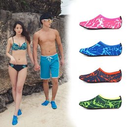 Wholesale classic fun - Floral Print Diving Socks Snorkeling Sock Lovers Couples Non-slip Swimming Beach Shoes Skin Care Shoe Water Fun OOA5281