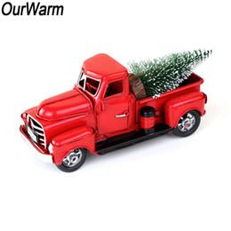 Ruedas de metal vintage online-OurWarm Red Metal Truck Decoración de la fiesta de Navidad Decoración de mesa para el hogar Regalos para niños Vintage Truck con Rueda Móvil Y18102609