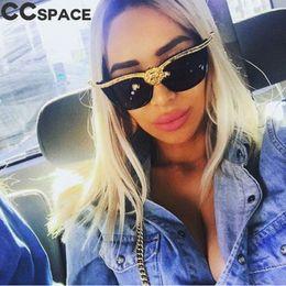 Cabeza de león de lujo Oversized Cat Eye Sunglasses Women 2018 Fashion  Shades Gold Retro Gafas de sol para mujer 45284 gafas de sol promoción c72b25d7904a