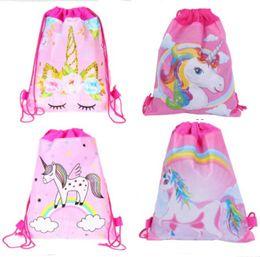 27 * 34 centimetri Unicorns Double Side Drawstring Bag Cartoon Zaini in tessuto non tessuto Per bambini Regali di compleanno Borse da viaggio Borse da mare Pacchetto Nuoto da