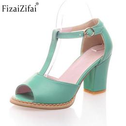 385e5fbe9a Mulheres praça sandálias de salto alto marca de tornozelo sexy verão  senhoras da moda de salto alto calçados calcanhar sapatos tamanho 32-43  P17926