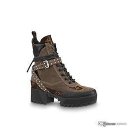 Argentina Laureate Platform Black Heart Boots 1A41Qd 1A43Lp Overcloud Platform Desert Boot Marca de lujo Martin Boots Moda mujer Botas Suministro