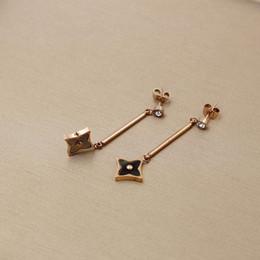 Wholesale Diamond Square Stud Earring - Korean version of black and white square shell small Flower Stud Earrings Fashion Female diamond rhombus titanium earrings