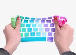 fall macbook regenbogen Rabatt US Ver Soft Silikon Rainbow Tastatur Fallschutz-Abdeckungs-Haut für MacBook Pro Air Retina 11 13 15 Zoll wasserdichte staubdichte Kleinkasten