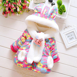 2019 cappotto di neve del neonato Neonata infantile Parka Toddler Girls Snow Wear Cappotto per bambini Cute Rabbit Baby Winter Jacket Thick Snowsuit imbottito in cotone sconti cappotto di neve del neonato
