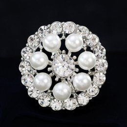 Wholesale indian lady dress - New Arrival Brooches Jewelry 2018 Women Round Pins Brooches White Pearl Crystal Boutique Brooch Lady Dress Party Brooch 12PCS