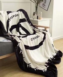 Объем продаж онлайн-2018 Горячие продажа мода фланель удобные одеяло дети взрослый универсальный диван одеяло дремлет детская кроватка офис одеяло