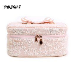 Wholesale uses for wind - RDGGUH New Wind Lace Embroidery Large Capacity Cosmetic Bag Women Daily Use Makeup Bags For Girls Fashion Zipper Cosmetics Bag
