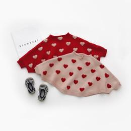 Cotone modello mantello online-2018 neonate maglione mantello sciolto modello cuore carino per i più piccoli per bambini a maglia pullover maglioni per le ragazze vestiti