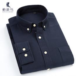 c888396b55 BOLEEBIRD dos homens Plus Size-Slim Fit azul marinho Oxford camisa de  vestido de algodão confortável de manga comprida sólida Casual Button-Down  camisas ...