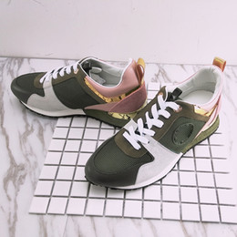 Wholesale New Stock Shoes - in stock NEW brand Designer sneakers leather trainers Women men casual shoes fashion Mixed color with box xz157