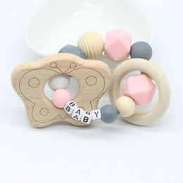 Натуральные прорезывающие кольца онлайн-Personalized Name Teething Ring Wooden Bird Teether Baby Gift Choose Your Colour Teething Toy Baby Shower Gift Natural toy