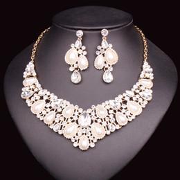 63fb30d763e2 Conjuntos de joyería de perlas de lujo de imitación para las novias del  banquete de boda joyería nupcial collar pendiente conjunto para novias dama  de honor ...