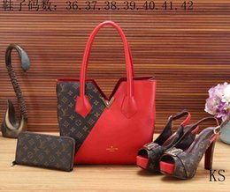 Wholesale denim diamonds shoes - 2018 New Ruil Women Color Splicing Little Bee Bags Fashion Zipper Designer Handbag Casual Shoulder Messenger Bag shoes +handbag+purse 0098