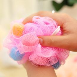 Губка большая онлайн-Разноцветные мягкие шарики для ванной Насыщенные пузырьки для тела Цветочная губка для ванной большого размера