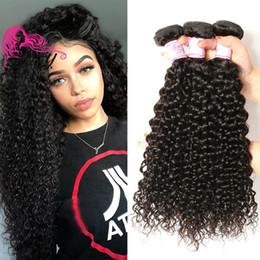 2019 sehr indisches haar Schönheit für immer brasilianische lockige Jungfrau-Haar-Einschlagfäden 3 bündelt natürliche Farbe 8A brasilianisches lockiges Haar spinnt 100% Menschenhaar-Ausdehnung Großverkauf