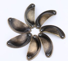 maçaneta para móveis Desconto Europeu 4 Cor Gavetas Do Armário Do Vintage Gavetas Shellfish Pele De Ferro Semicírculo Móveis De Bronze Shell Pull Handles