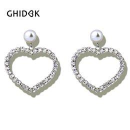 2019 pendientes modernos para las mujeres GHIDBK Clear Crystal Zirconia Heart Hoop Pendientes para mujeres Brincos Modern Wedding Earrings Rhinestones de lujo Large Big Hoops rebajas pendientes modernos para las mujeres