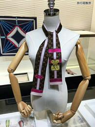 Amerika birleşik Devletleri yeni popüler marka küçük eşarp 100% ipek eşarp yeni tasarım moda kız aksesuar başörtüsü bayanlar lüks nereden