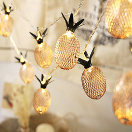 Canada Ananas LED Lampe String Décorations De Noël Pour Arbre 1.5 / 3M Boîte De Batterie De Fruits Mur De Haute Qualité Maison Suspendus Ornements D18110802 cheap christmas led wall Offre