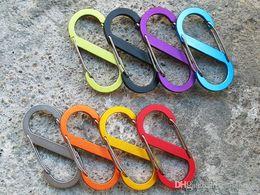 Clips llavero mosquetón online-Aleación de aluminio Grande S-type Double Gated Carabiner 8-Button Buckle Hook Mochila para acampar al aire libre Herramienta EDC Llavero Clip 8 Color G675F