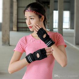 Argentina htzyhstore guantes de levantamiento de pesas de gimnasio nuevo medio dedo guantes de deporte brazales transpirables Suministro