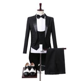 Maglia nera di fiori online-2017 Top Selling Black Flower Vest Maschile Groom Tuxedo Wear Mens Abiti Tute da sposa formali Per uomo Nuovo arrivo
