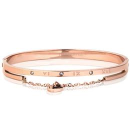 Римские цифровые браслеты онлайн-Stainless steel Roman numeral bracelet rose-gold lady's bracelet heart bracelet with diamond in a stylish tri-color selection