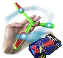 Canada Flip Finz Fidget Jouets Spinner en plastique bleu rouge vert Twirl Flip Light Up avec LED OVP sans fin Addictive Fun jouets assortis pour les adolescents Offre