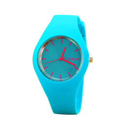 Наручные часы магазин онлайн-Perfect Gift watches for women Leisure Sports Candy-colored Jelly quartz-watch Silicone Strap ladies bracelet watches 2018