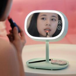 2019 косметическое зеркало Muid Cosmetic Mirror Светодиодная лампа Зеркало для макияжа Светодиодная сенсорная лампа Складная опорная плита Многофункциональный USB Аккумуляторная настольная лампа Зеркало KKA4264 дешево косметическое зеркало