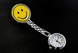 Gelbe taschenuhr online-gelbes Lächelnkrankenschwester Taschenuhr staninless Stahluhr zurück wasserdichter digitaler Doktorhanduhr des Doppeldisplays