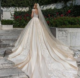 Wholesale Long Bridal Veil Beaded Lace - New Arrival 3M One Layer Lace Appliqued Wedding Veils With Beaded Long Cathedral Length Veils Tulle Bridal Veil