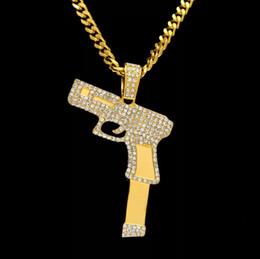 2019 colgante de pistola de oro 2018 CALIENTE Hip Hop collares grabados en forma de pistola Uzi colgante de oro de alta calidad collar de cadena de plata de oro joyería de moda popular colgante colgante de pistola de oro baratos