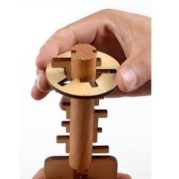 2019 bambus-puzzle Holzspielzeug Entsperren Puzzle Schlüssel Klassische Lustige Kong Ming Schloss Spielzeug Intellektuelle Pädagogische Für Kinder Erwachsene Intelligenz spielzeug C4514 günstig bambus-puzzle