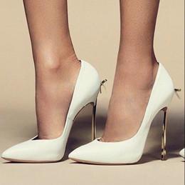 2019 chaussures pointues vente chaude bowtie lame talons femmes pompes papillon sexy pointu orteil robe de soirée de mariage chaussures à talons hauts grande taille 43 drop shipping chaussures pointues pas cher
