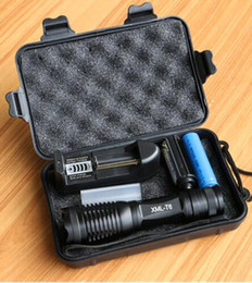 interruttore ultrafire Sconti CREE XML T6 LED Torcia tattica 10000 Lumen Lanterna Torcia led regolabile Zoomable Torcia + Caricatore + 1 * 18650 Batteria