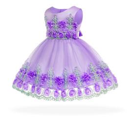 Robes de baptême gratuitement en Ligne-Livraison gratuite coton doublure fleurs robes pour bébés 2018 Nouvelle arrivée bébé robe pour 1 an fille anniversaire bambin robe de baptême