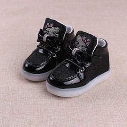 2018 nova criança sapatos casuais com luz primavera outono bebê meninos meninas levou luz shoes crianças moda olá kitty meninas tênis de