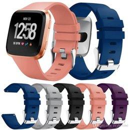 резиновые браслеты Скидка 2018 мягкие силиконовые замена спортивные часы Band для Fitbit versa запястье браслет ремешок издание браслеты резинкой браслет