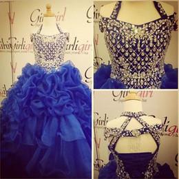 Vestido organza sequin rhinestone pageant on-line-Strass Frisada Lantejoulas Royal Blue Girl Pageant Vestidos 2018 vestido de Baile Criss Cruz Sem Encosto Camadas Ruffles Organza Crianças Vestido de Festa Formal