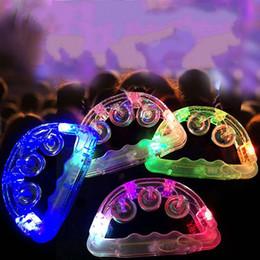 sino piscando Desconto Novidade LED Luz Tamborim Chocalho Engraçado Piscando Sino De Mão De Plástico Brilhando No Partido Escuro Tambourines Para KTV 3 8 pc BB