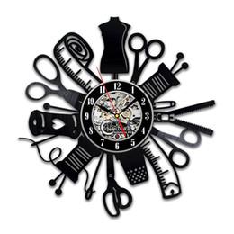 Kücheninnenraum online-diy Geschenk für Uhr ändern 2018 handgemachte Lösungen Nähen Instrument Wand Vinyl Art Uhr Schere Küche Dekor Interior Design