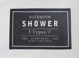 Alfombras de baño negras online-Alfombras de baño de baño 60 * 40 cm Alfombra de baño Alfombra de baño antideslizante Alfombra - Inicio Decoración de aseo Material de esponja de franela (Negro, gris, blanco)